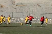 ORDUZU - E. Yeni Malatyaspor Teknik Heyeti İle Spor Basını Yeşil Zeminde Karşılaştı