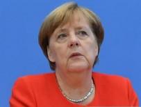YEŞILLER PARTISI - Merkel dibe vurdu