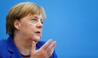 YEŞILLER PARTISI - Merkel'in Partisi Son 6 Yılın En Düşük Oy Seviyesinde