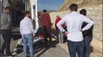 SIVAS CUMHURIYET ÜNIVERSITESI - Motosiklet Kazası Açıklaması 2 Yaralı