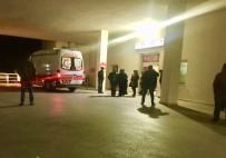 HITIT ÜNIVERSITESI - Sungurlu'da Silahlı Kavga  Açıklaması 1 Ağır, 3 Yaralı
