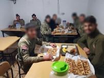 HAKKARİ ÇUKURCA - Başkan Aydın Askerlere 'Etli Ekmek' Gönderdi