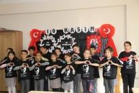 MESUT ÖZAKCAN - Başkan Özakcan'dan Efelerli Miniklere Anlamlı Hediye