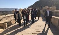 ŞEHİT AİLESİ - Bayan Özlü Adıyaman'a Hayran Kaldı