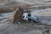 SARıCAN - Eleşkirt'te Trafik Kazası, 2 Yaralı