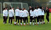 DURSUN ÖZBEK - Galatasaray, Başakşehir Maçı Hazırlıklarını Sürdürdü