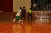 KUPA TÖRENİ - Görme Engelliler 2. Lig Futsal Maçları Kuşadası'nda Yapıldı