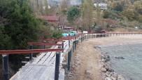 FATIH SULTAN MEHMET - Güzelcehisar Köyü Plajına Yapılan 850 Metrelik Platforma Köylüler Tepki Gösteriyor