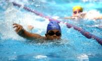 YÜZME HAVUZU - Karşıyaka'nın İlk Kapalı Havuzu Açılıyor