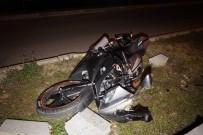 PAŞAKÖY - Kaza Yapan Motosiklet Sürücüsü Yaşam Mücadelesi Veriyor