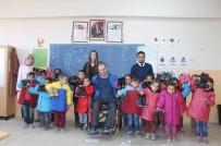 ÖĞRENCİ SAYISI - Milletvekili Yardım Yaptı, Öğretmen Duygulandı