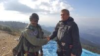 MUHAMMET ÖNDER - Murat Dağı'nda Yamaç Paraşütü Keyfi