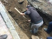 KOCABAŞ - Şişli'de BEDAŞ Kazısında Kemik Parçalarının Bulunduğu Yerde Çalışmalar Devam Ediyor