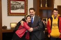 ENGELLİ ÖĞRENCİLER - Başkan Eroğlu, Engelli Öğrencileri Makamında Konuk Etti