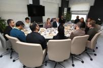 MUSTAFA BOZBEY - Bozbey Öğle Yemeğinde Personeli Ağırladı