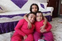 CAM KEMİK HASTASI - Cam Kemik Hastası İkizlerden Birinin Kemiği Kırılınca Diğeri De Hissediyor