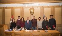 ANADOLU ÜNIVERSITESI - Fakültelerini Birincilikle Kazanan Öğrenciler Kutlama Belgelerini Rektör Gündoğan'ın Elinden Aldı