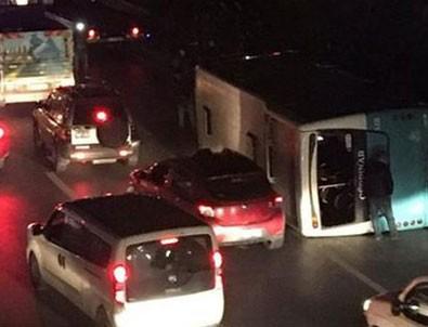 İstanbul'da halk otobüsü devrildi! Yaralılar var