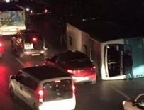 ZİNCİRLEME KAZA - İstanbul'da halk otobüsü devrildi! Yaralılar var