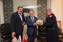 İSTIRIDYE - İstiridye Mantarı Yetiştiricileri Başkan Büyükkılıç'ı Ziyaret Etti