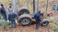 Sakarya'da Traktör Devrildi, Sürücü Kazayı Hafif Yara İle Atlattı