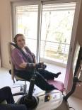 BEYİN KANAMASI - 35 Yaşına Kadar 16 Ameliyat Geçiren Kadın Yürümeye Başladı