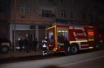 YANGINA MÜDAHALE - Apartman Odunluğunda Yangın