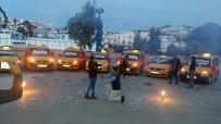 EVLİLİK TEKLİFİ - Bir Anda Taksiler Yanaştı, Genç Kadın Neye Uğradığını Şaşırdı