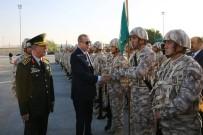 HULUSİ AKAR - Cumhurbaşkanı Erdoğan Katar TSK Kara Unsur Komutanlığını Ziyaret Etti