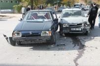 MUHSİN YAZICIOĞLU - Elazığ'da Trafik Kazası Açıklaması 5 Yaralı