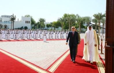 Erdoğan, Katar'da resmi törenle karşılandı