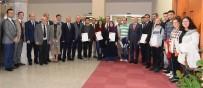 AHMET OĞUZ - ESOGÜ'de Fakültelerini Birincilikle Kazanan Öğrencilere Kutlama Belgeleri Verildi