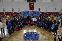 GÖRME ENGELLİ - Gaziantep'te Bin 500 Amatör Futbolcuya Malzeme Yardımı Yaptı