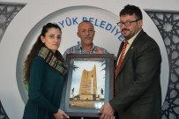 BOZÜYÜK BELEDİYESİ - Hatay Büyükşehir Belediyesi Tiyatro Ekibinden Bozüyük Belediyesi'ne Teşekkür Plaketi