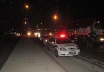 TAŞDELEN - İhbara Giden Polislere Otomobil Çarptı Açıklaması 2 Yaralı