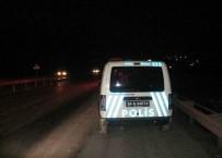 TAŞDELEN - Kaza İhbarına Giden Polislere Otomobil Çarptı Açıklaması 2 Yaralı