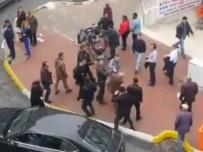 OSMAN TANBURACI - Osman Tanburacı Trafikte Saldırıya Uğradı