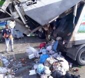 ALI KOÇAK - Temizlik İşçileri, Çöpte Buldukları Çantayı Sahibine Teslim Ettiler