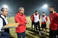 HALUK ALICIK - Başkan Alıcık'tan Futbolculara Tatlı Sürpriz