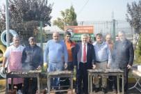 OSMAN YıLDıRıM - Başkan Baran İşçilerle Balık Yedi