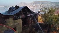 YANGINA MÜDAHALE - Beypazarı'nda Tarihi Bina Alevlere Teslim Oldu