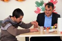 TÜRK DÜNYASI - Çifteler'de Zihinsel Engelli Gençlere Özel Eğitim