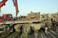 YENIYURT - Hatay Trafik Kazası Açıklaması 19 Yaralı