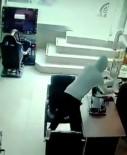 İKITELLI - (Özel) Cep Telefonu Hırsızlığı Kamerada