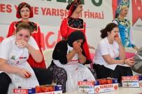 KARAKAYA - Rus ve Türk kadınlar domates yeme yarışı yaptı