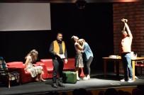 TİYATRO OYUNCUSU - Tiyatro Frankfurt Türkiye'de İlk Kez Bozüyük'te Sahne Aldı