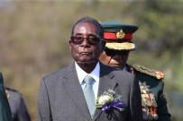 ZIMBABVE - Zimbabve Lideri Mugabe, Ordunun Baskısına Direniyor