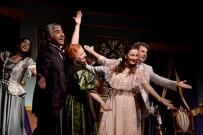 AHMET ERDOĞDU - Akidezadeler Manisalı Tiyatro Severlerle Buluştu