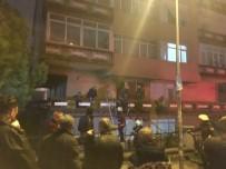 ÖMER ÇELİK - Alkollü Vatandaş Evi Yaktı, Daha Sonra Balkona Çıkıp Bağırdı