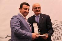 ŞEHİR MÜZESİ - Başkan Bakıcı Ödülünü Tarihi Kentler Birliği Başkanı'nın Elinden Aldı